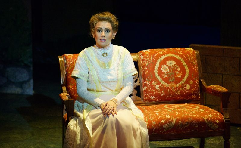 BWW Reviews: Aurora's Magical MARY POPPINS Brings New Surprises to Beloved Classic