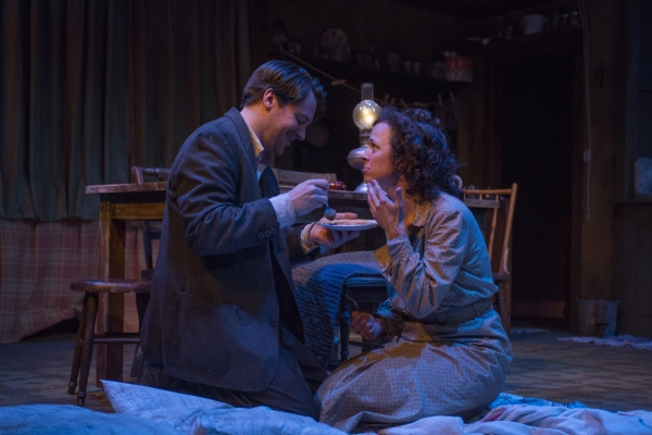 Photo Flash: First Look at Griffin Theatre's MEN SHOULD WEEP, Now Playing Through 8/10