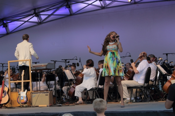 Photo Flash: N'Kenge Joins Indianapolis Symphony for 'CLASSIC FM' Concert