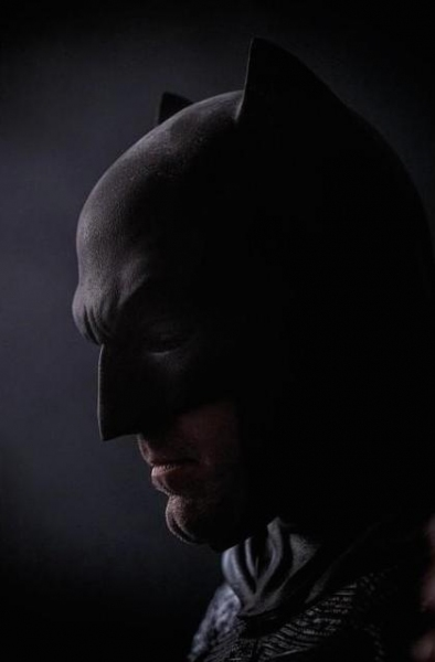 Photo Flash: Zack Snyder Debuts New Photo of Ben Affleck as Batman
