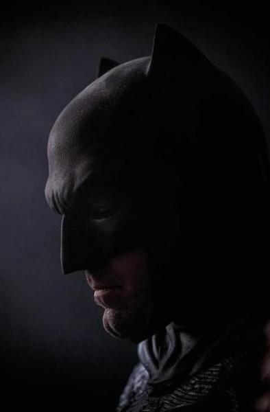 Photo Flash: Zack Snyder Debuts New Photo of Ben Affleck as Batman