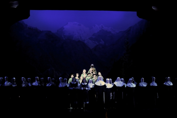 Photo Coverage: First Look at Analisa Leaming, Tom Galantich and More in Starlight Theatre's SOUND OF MUSIC
