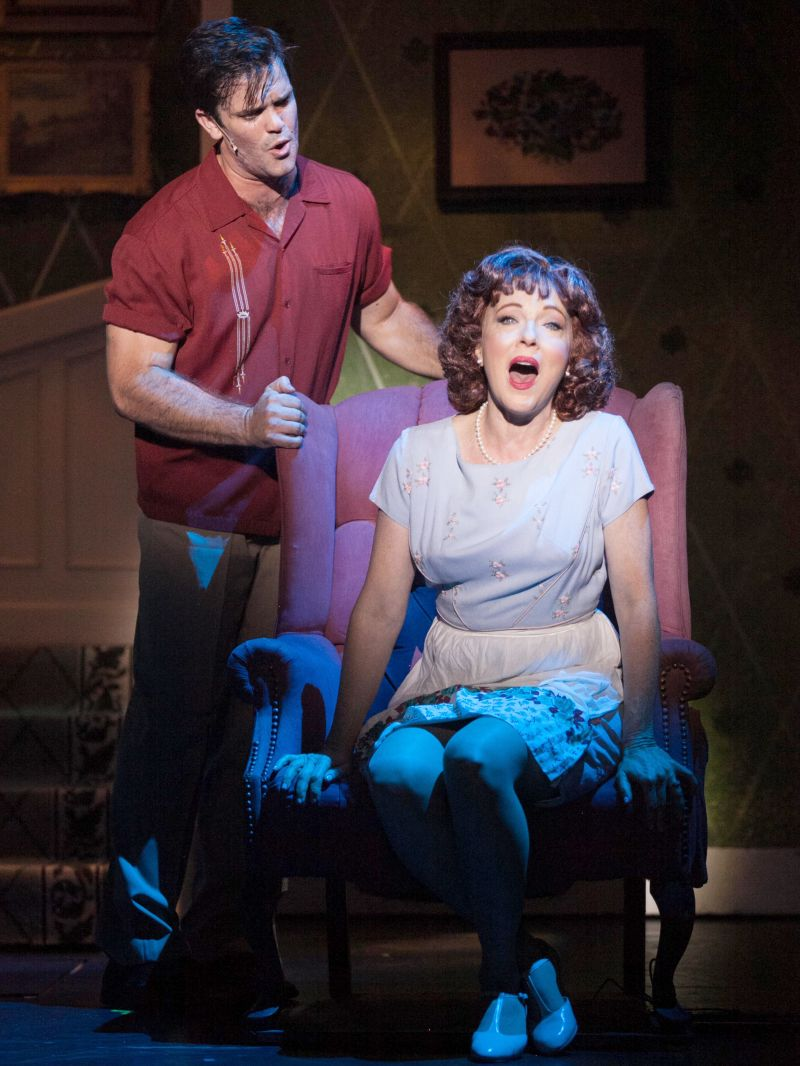 BWW Reviews: 3-D Theatricals Hits Another Home Run with Peppy DAMN YANKEES