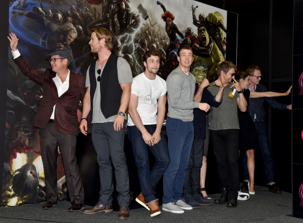 James Spader;Chris Hemsworth;Aaron Taylor-Johnson;Chris Evans;Mark Ruffalo;Jeremy Renner;Cobie Smulders;Paul Bettany