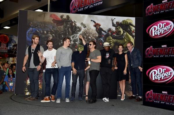 Chris Hemsworth;Aaron Taylor-Johnson;Chris Evans;Mark Ruffalo;Jeremy Renner;Samuel L. Jackson;Cobie Smulders;Paul Bettany;Elizabeth Olsen