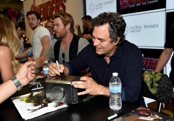 Aaron Taylor-Johnson;Chris Hemsworth;Mark Ruffalo