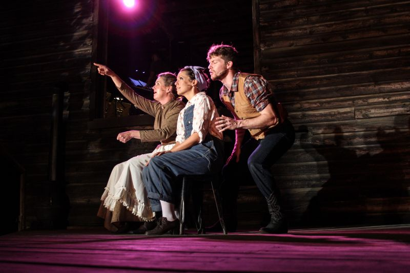 BWW Reviews: Serenbe's OKLAHOMA! Provides Unique Excitement That Will Make All Fall in Love with Theatre