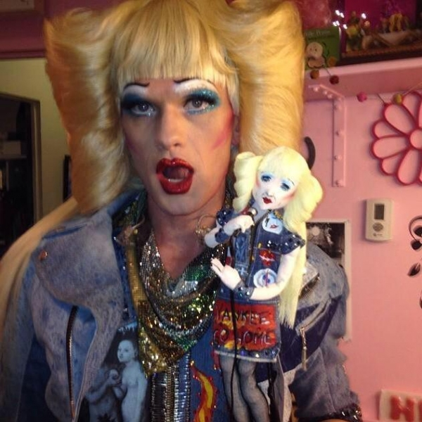 Photo Flash: Neil Patrick Harris Poses with 'Mini-Hedwig' Backstage at the Belasco