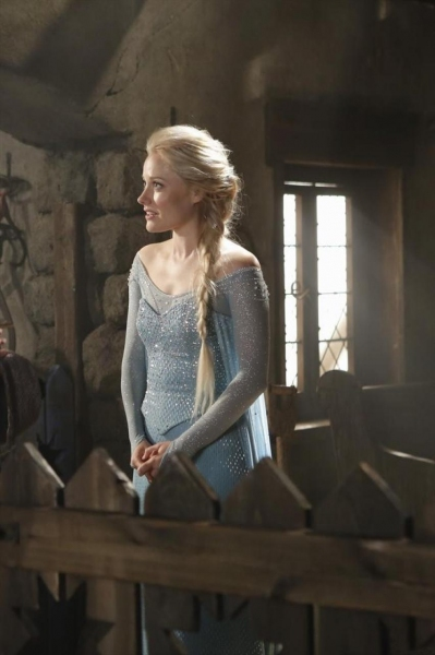 Photo Flash: New Stills of FROZEN's Elsa and Kristoff in ABC's ONCE UPON A TIME