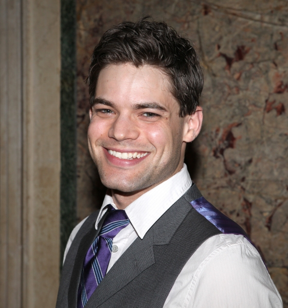 Jeremy Jordan Covers FROZEN's 'Let It Go' Live