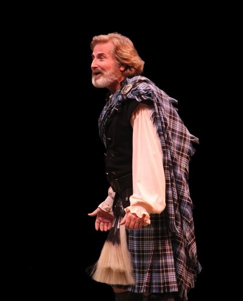 Gordon Goodman (Mr. Lundie)