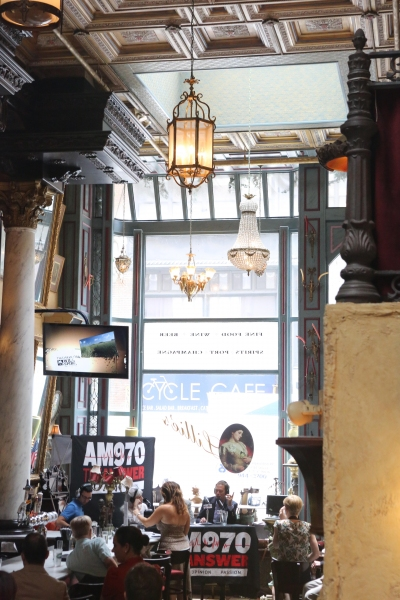 Photo Coverage: BACKSTAGE WITH PETER LEDONNE Broadcasts from Lillie's