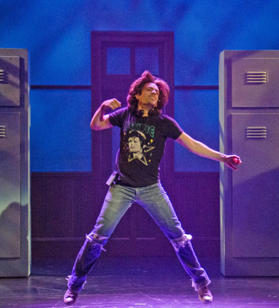 BWW Reviews: Can't Sit Still at FOOTLOOSE