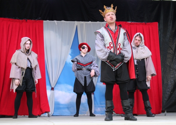 Photo Flash: First Look at MACBETH and A MIDSUMMER NIGHT'S DREAM at Cincinnati's FREE Shakespeare in the Park