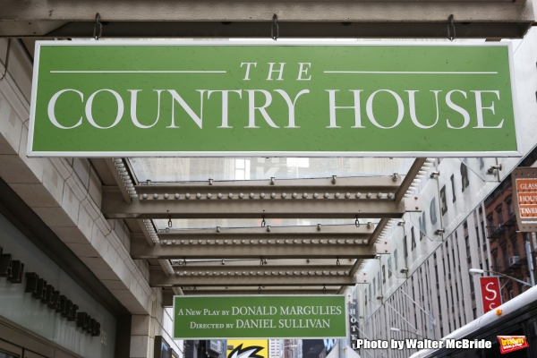 Up on the Marquee: THE COUNTRY HOUSE