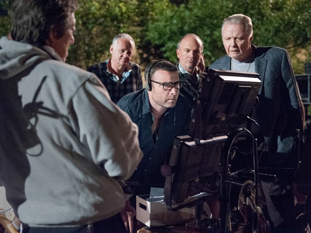 VIDEO: Liev Schreiber Makes TV Directorial Debut on RAY DONOVAN