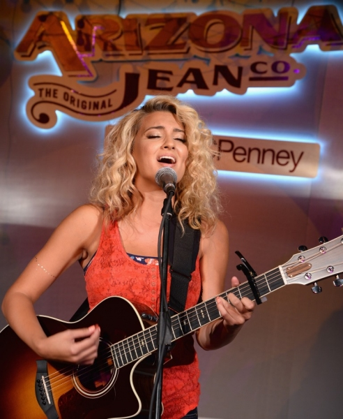 Photo Flash: Tori Kelly and Alex & Sierra Perform at Arizona Jean Co. Event in Brooklyn