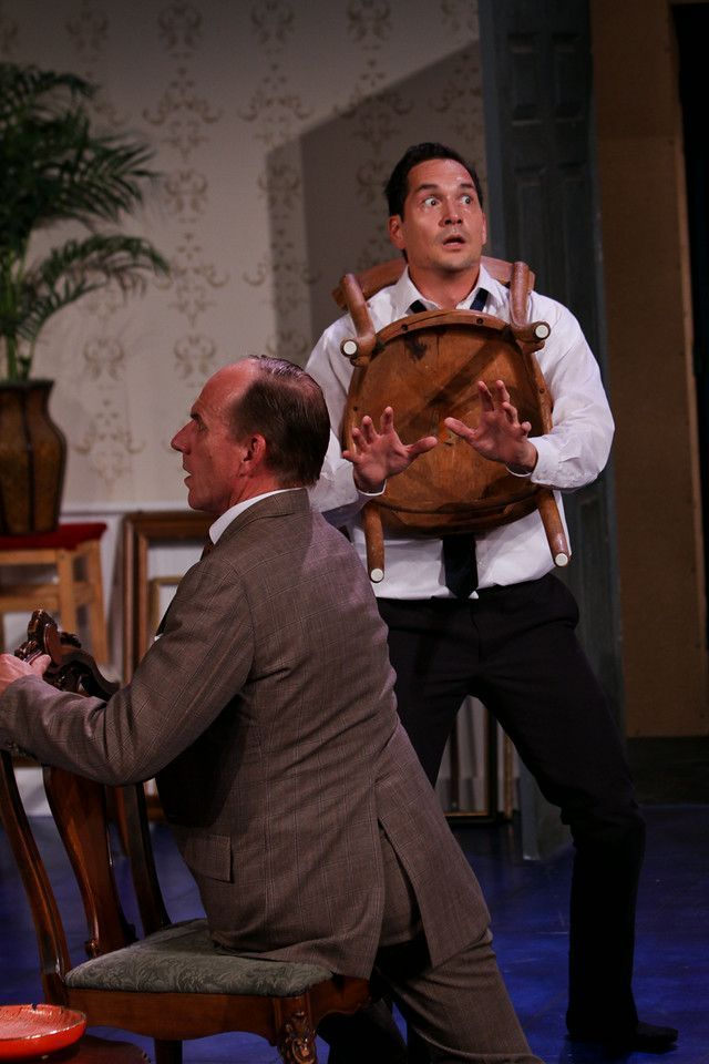 BWW Reviews: Strawshop's BLACK COMEDY Brings Comedy Into the Light