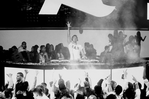Photo Flash: Miles Teller Celebrates Labor Day Weekend at Hakkasan Las Vegas