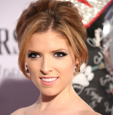 Anna Kendrick, Josh Gad & More Stars Join STAND UP TO CANCER Line-Up