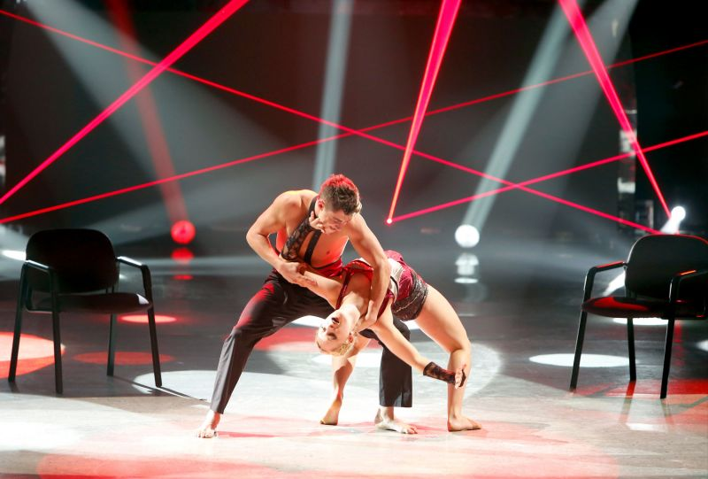 SYTYCD Crowns Champ, ON THE TOWN Welcomes Dancer; FULL RESULTS & PICS!