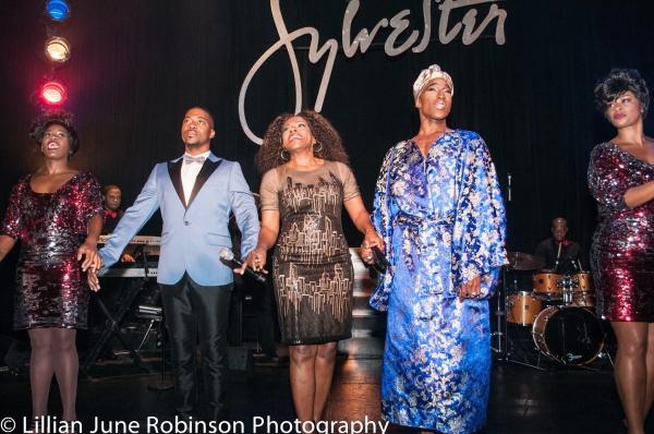 Anastacia McCleskey, Kendrell Bowman, Sheryl Lee Ralph, Anthony Wayne and Jacqueline  Photo