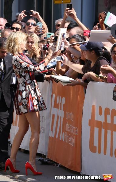 Kristen Wiig with her fans