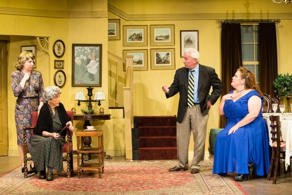 Jackie Decho Holm as Lucille, Ellen Burnett as Stella Gordon, Leo Paul as Bob, and Beth Bonnabeau as Mary Jo.