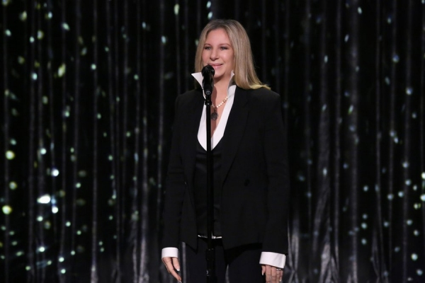 THE TONIGHT SHOW STARRING JIMMY FALLON -- Episode 0124 -- Pictured: Barbra Streisand performs on September 15, 2014 -- (Photo by: Douglas Gorenstein/NBC)