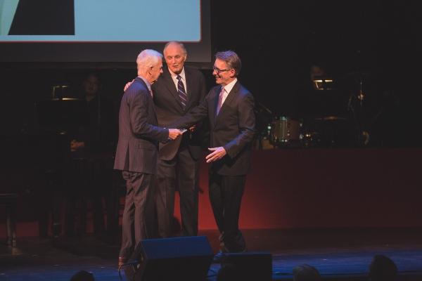 Arthur Levitt receives the Westport Country Playhouse Leadership Award from Alan Alda and Mark Lamos.
