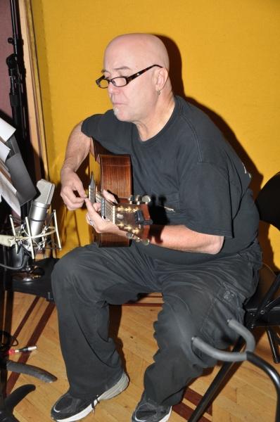 Kevin Kuhn (Guitar)