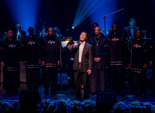 Clint Holmes, Las Vegas Mass Choir