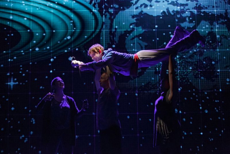 BWW Flashback: AN ACT OF GOD, THE CURIOUS INCIDENT OF THE DOG IN THE NIGHT-TIME, and LES MISERABLES Take Their Final Bows
