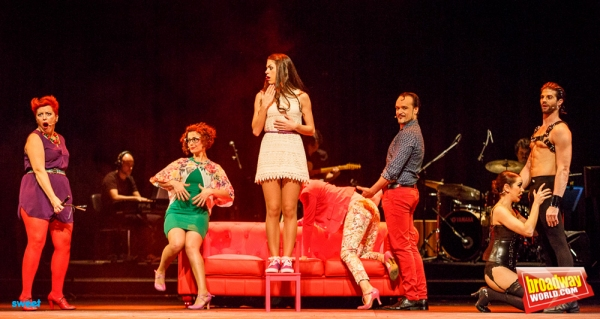 Maria Jose Santos, Maria Blanco, Teresa Abarca, Angel Padilla, Sergio Arce y Eva Manj Photo