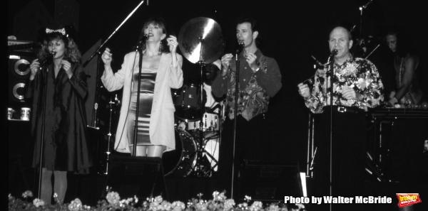 Manhattan Transfer: Janis Siegel, Cheryl Bentyne, Alan Paul and Tim Hauser performing at Walt Disney World in Orlando Florida 1995.