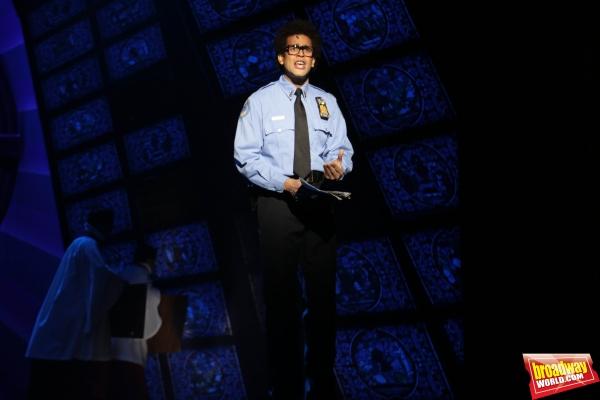 Juan Delgado interpreta a Eddie