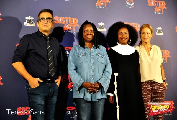 Andreu Buenafuente, Whoopi Goldberg, Mireia Mambo Bokele y Julia Gomez Cora Photo