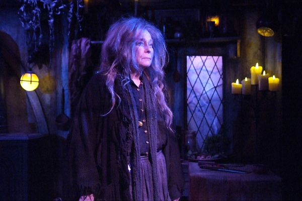 BWW Reviews: In BROOMSTICK, Jenny O'Hara Brilliantly Takes You Through the Dark Memories Of A Lonely Old Witch