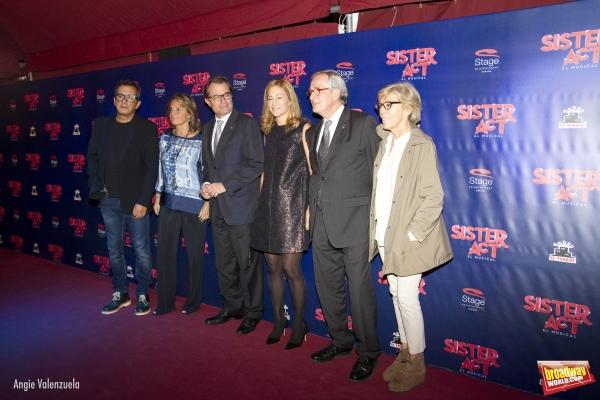 Andreu Buenafuente, Helena Rakosnik, Artur Mas, Julia Gomez Cora y Xavier Trias (alcalde de Barcelona)