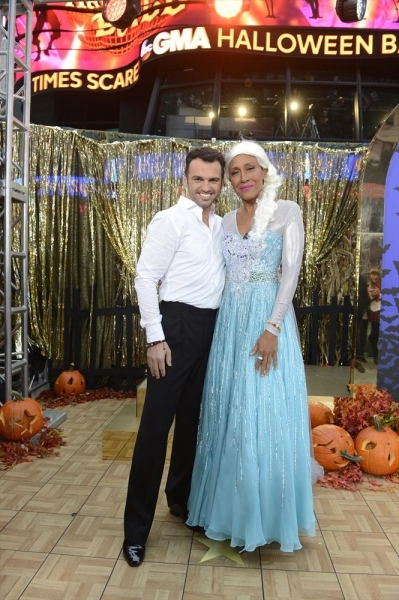 GOOD MORNING AMERICA - It is Halloween morning in Times Square and anything can happen -  on GOOD MORNING AMERICA, 10/31/14, airing on the ABC Television Network.   (ABC/Ida Mae Astute)  TONY DOVOLANI, ROBIN ROBERTS