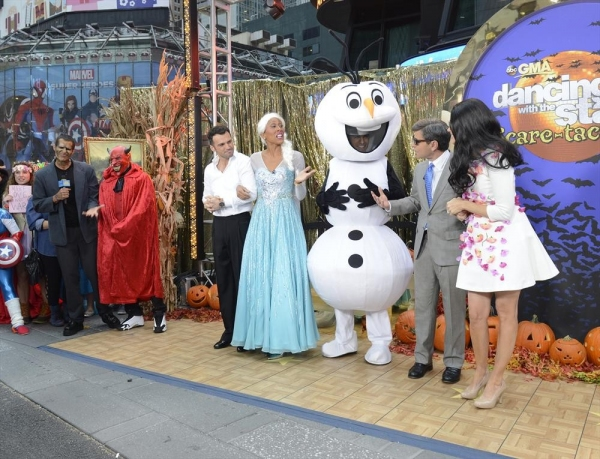 GOOD MORNING AMERICA - It is Halloween morning in Times Square and anything can happen -  on GOOD MORNING AMERICA, 10/31/14, airing on the ABC Television Network.   (ABC/Ida Mae Astute)   CAMERON MATHISON, NELLY, TONY DOVOLANI, ROBIN ROBERTS, TJ HOLMES, G