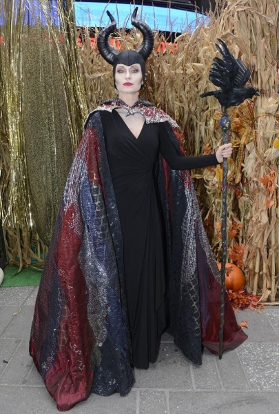 GOOD MORNING AMERICA - It is Halloween morning in Times Square and anything can happen -  on GOOD MORNING AMERICA, 10/31/14, airing on the ABC Television Network.   (ABC/Ida Mae Astute)  AMY ROBACH (AS ANGELINA JOLIE)