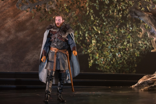 Photo Flash: First Look at Ken Clark, Christy Altomare, Travis Taylor and More in CAMELOT at Drury Lane