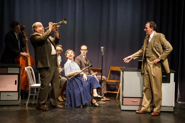 The Quintette: Eric Wright, Tyler Bunch, Hanley Smith, Clare McNulty, Spencer Lott, and Erik Lochtefeld (Raymond Scott)