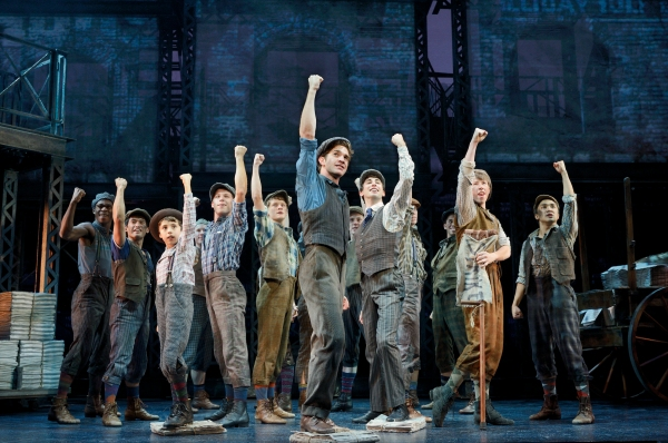 Dan DeLuca & Cast of NEWSIES