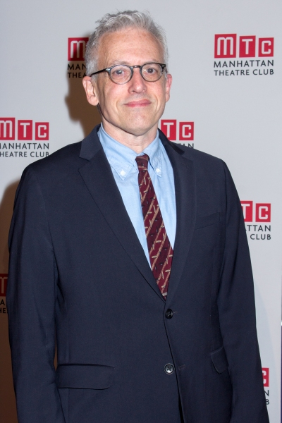 Photo coverage manhattan theatre club honors daniel for Donald margulies