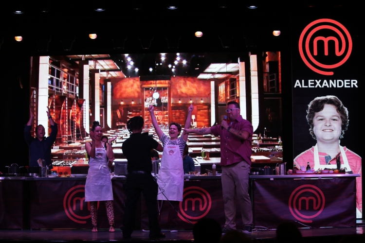 Masterchef Junior Season 1 Winner Alexander Weiss Is Crowned The