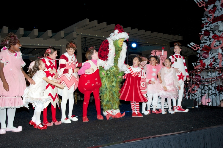 The Grinch Stole Christmas Cast.The Grinch Burke Moses And The Cast Of Dr Seuss How The