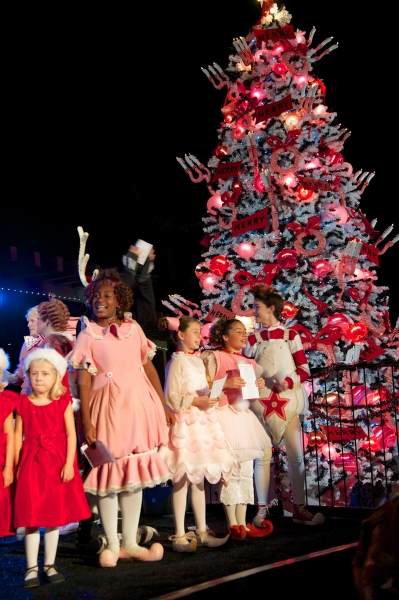 The cast of Dr. Seuss'' HOW THE GRINCH STOLE CHRISTMAS performed for San Diego families at The Old Globe ninth annual Christmas Tree Lighting.