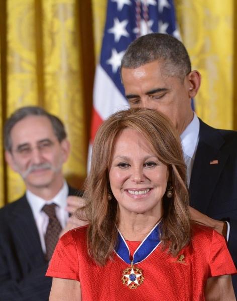 Marlo Thomas and President Barack Obama Photo